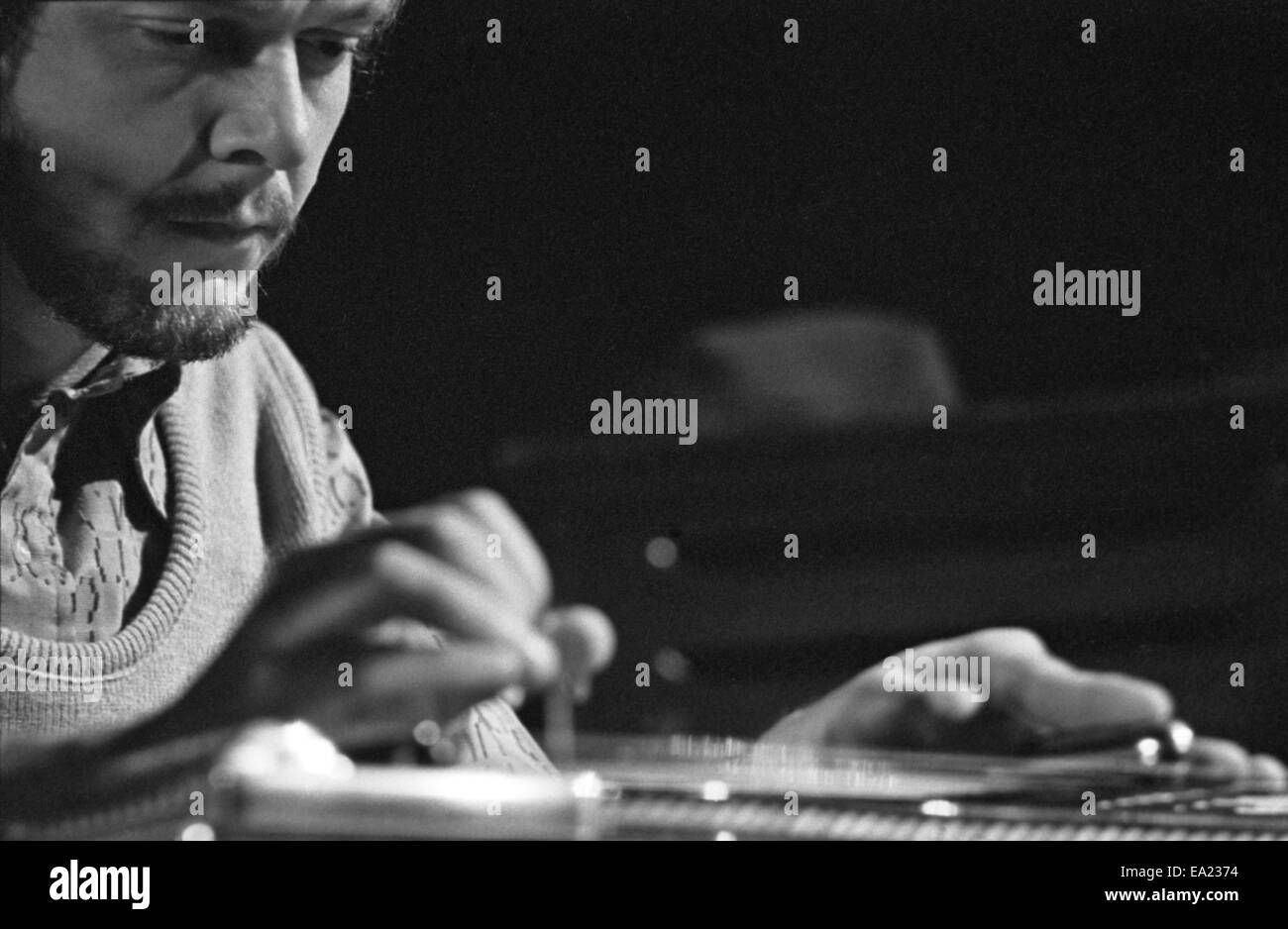 Pedal Steel Guitar Stock Photos & Pedal Steel Guitar Stock Images