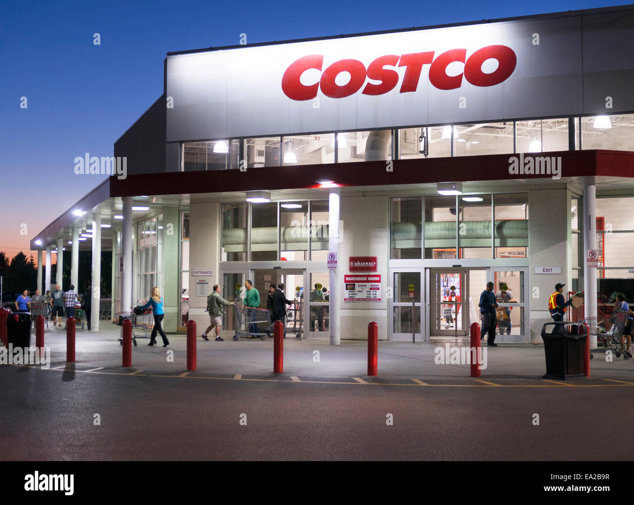 Costco store membership warehouse club chain in the evening in costco store membership warehouse club chain in the evening in scarborough toronto ontario canada 2014 thecheapjerseys Images