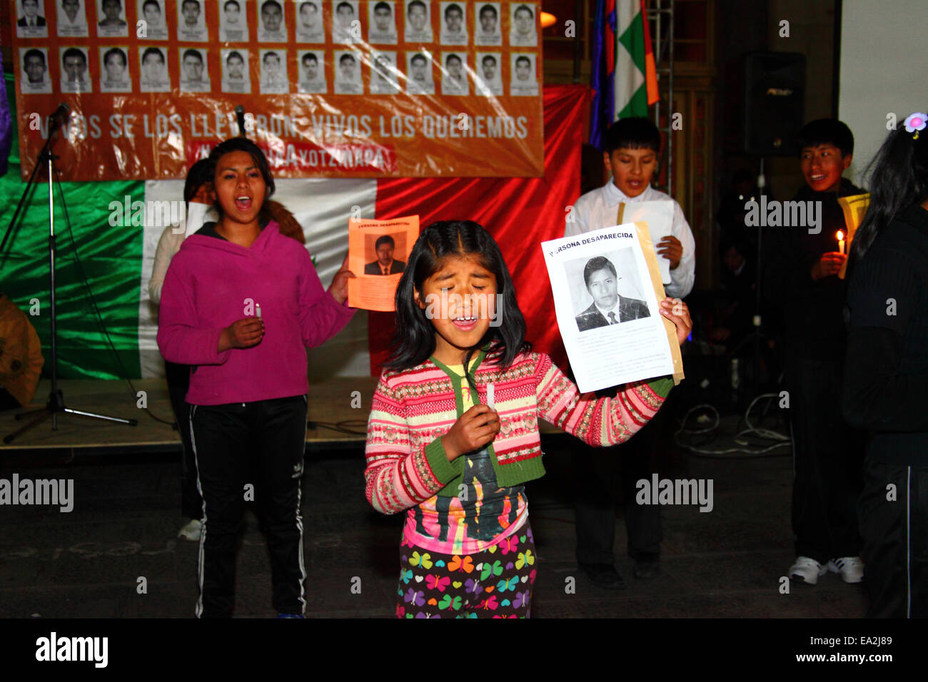 LA PAZ, BOLIVIA, 5th November 2014. Children from a theatre group perform at an event organised to show solidarity - Stock Image
