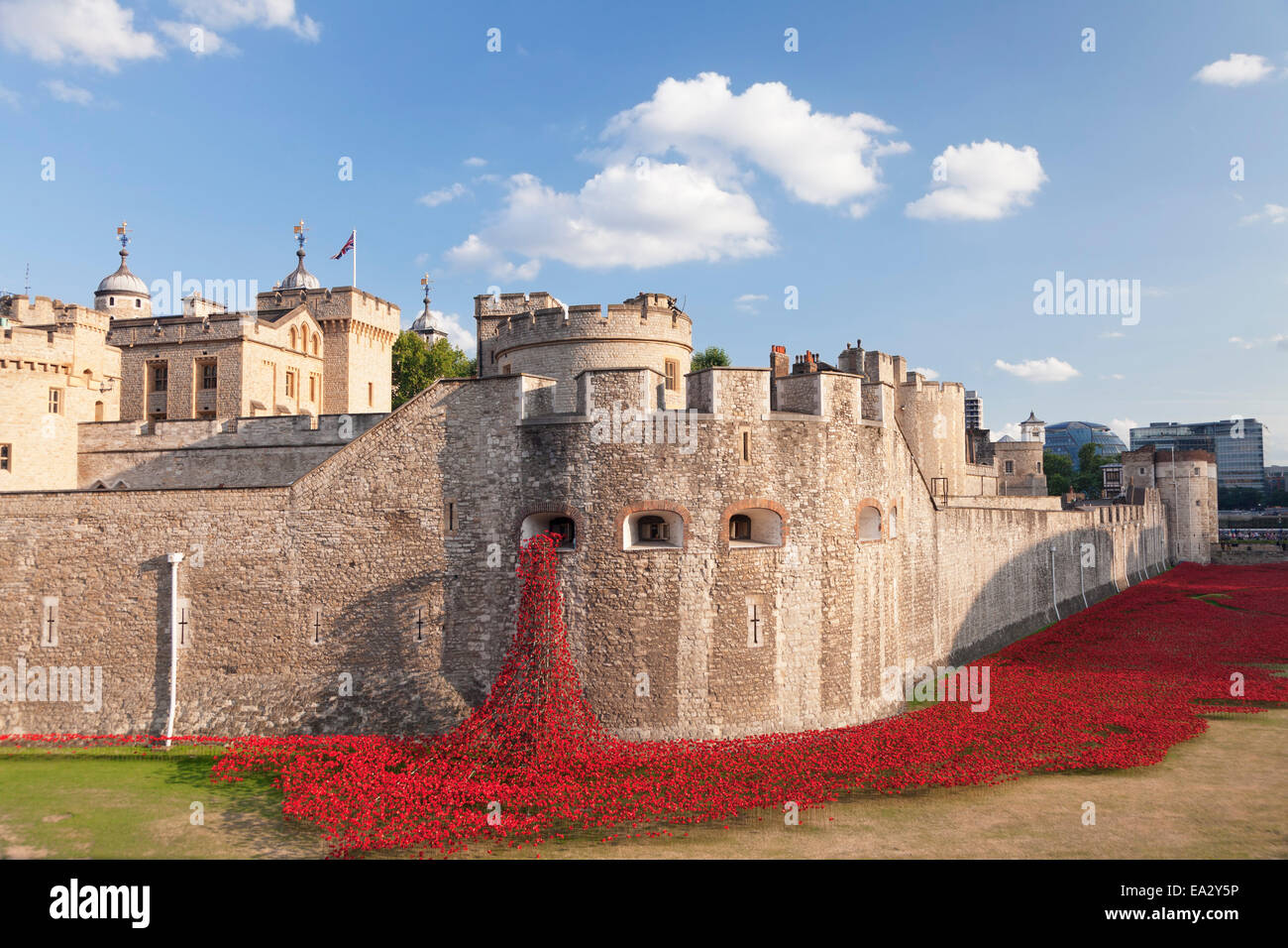 Tower of London, Installation Blood Swept Lands and Seas of Red, World War I memorial, City of London, London, England, - Stock Image