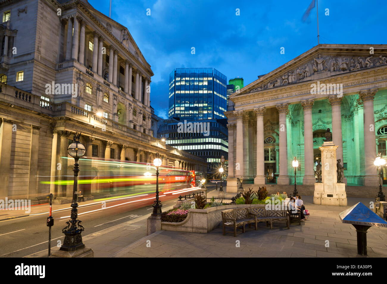 Royal Exchange and the Bank of England, Threadneedle Street, London, England, United Kingdom, Europe - Stock Image