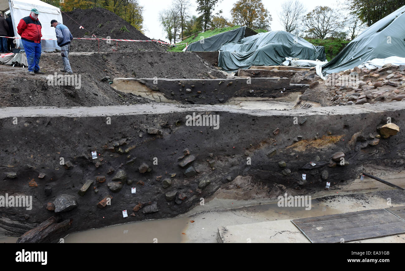 Dannewerk, Germany. 5th Nov, 2014. A view of the most recent excavation site in Dannewerk, Germany, 5 November 2014. - Stock Image