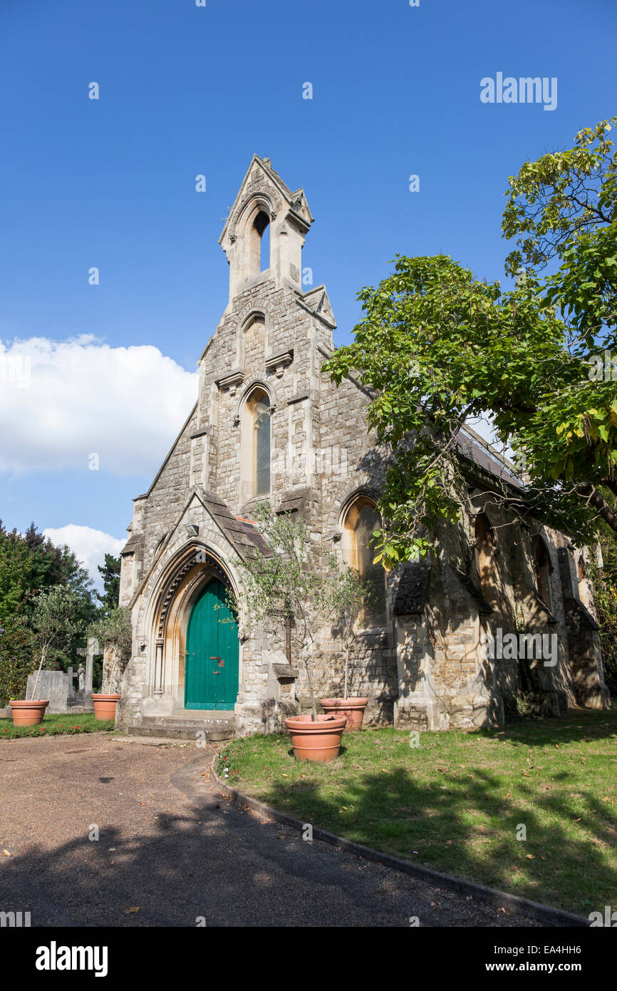 The Royal Borough of Kensington and Chelsea Cemetery (Hanwell Cemetery) chapel Stock Photo