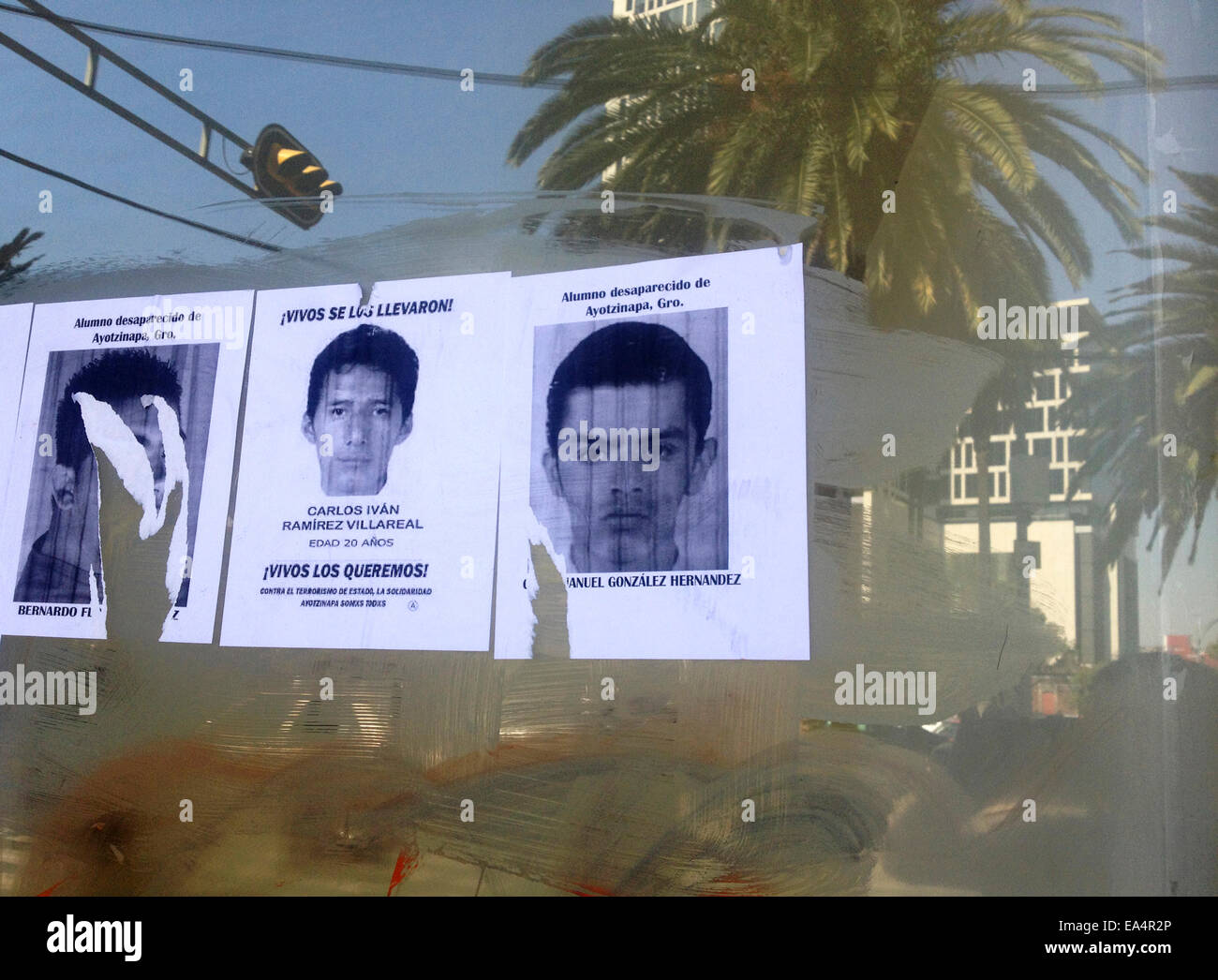 Mexico city, Mexico. 6th November, 2014. Portraits of missing students are displayed in Reforma Avenue in Mexico Stock Photo