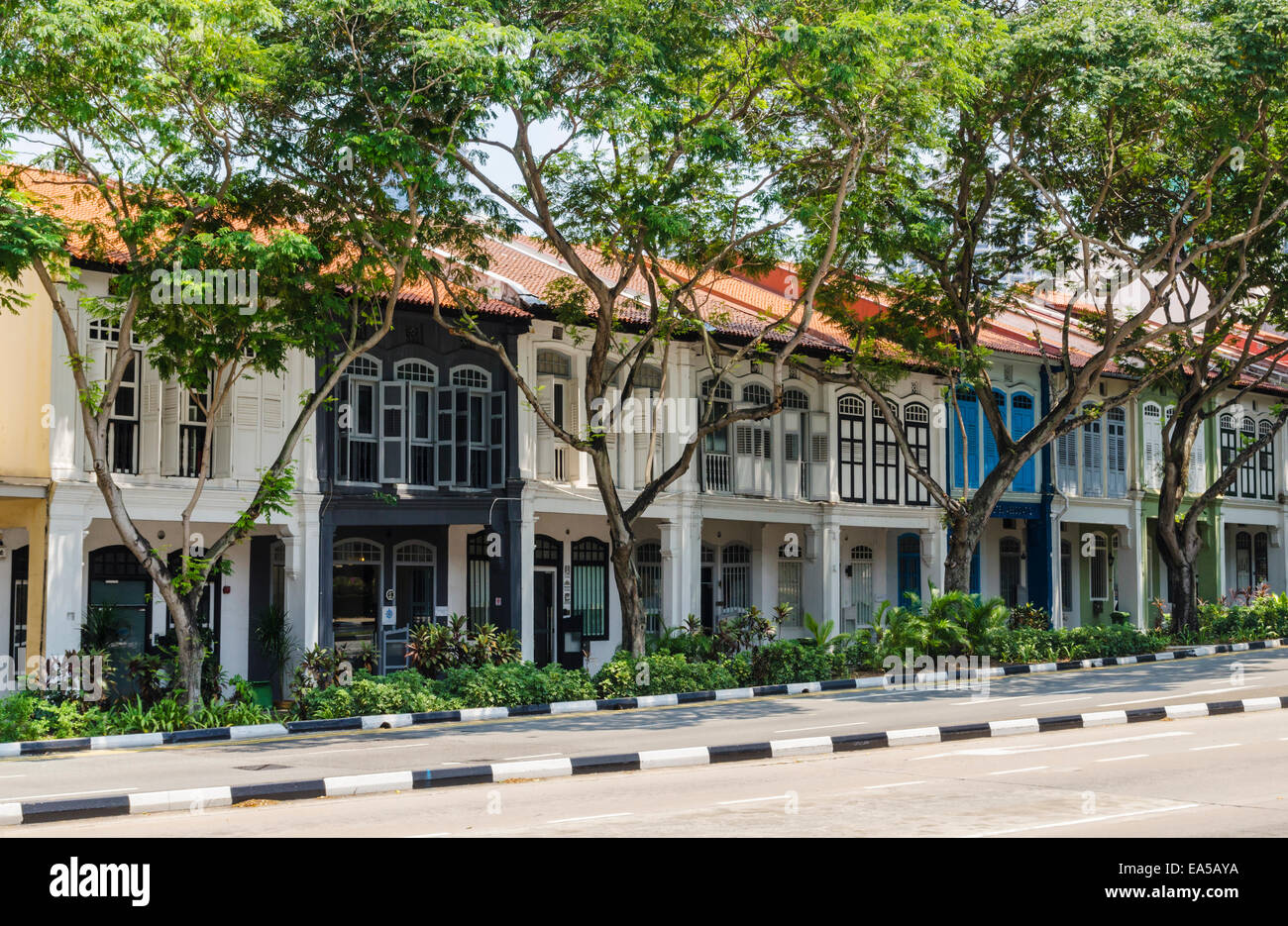 Terraced colourful shophouses along Neil Rd in Singapore - Stock Image