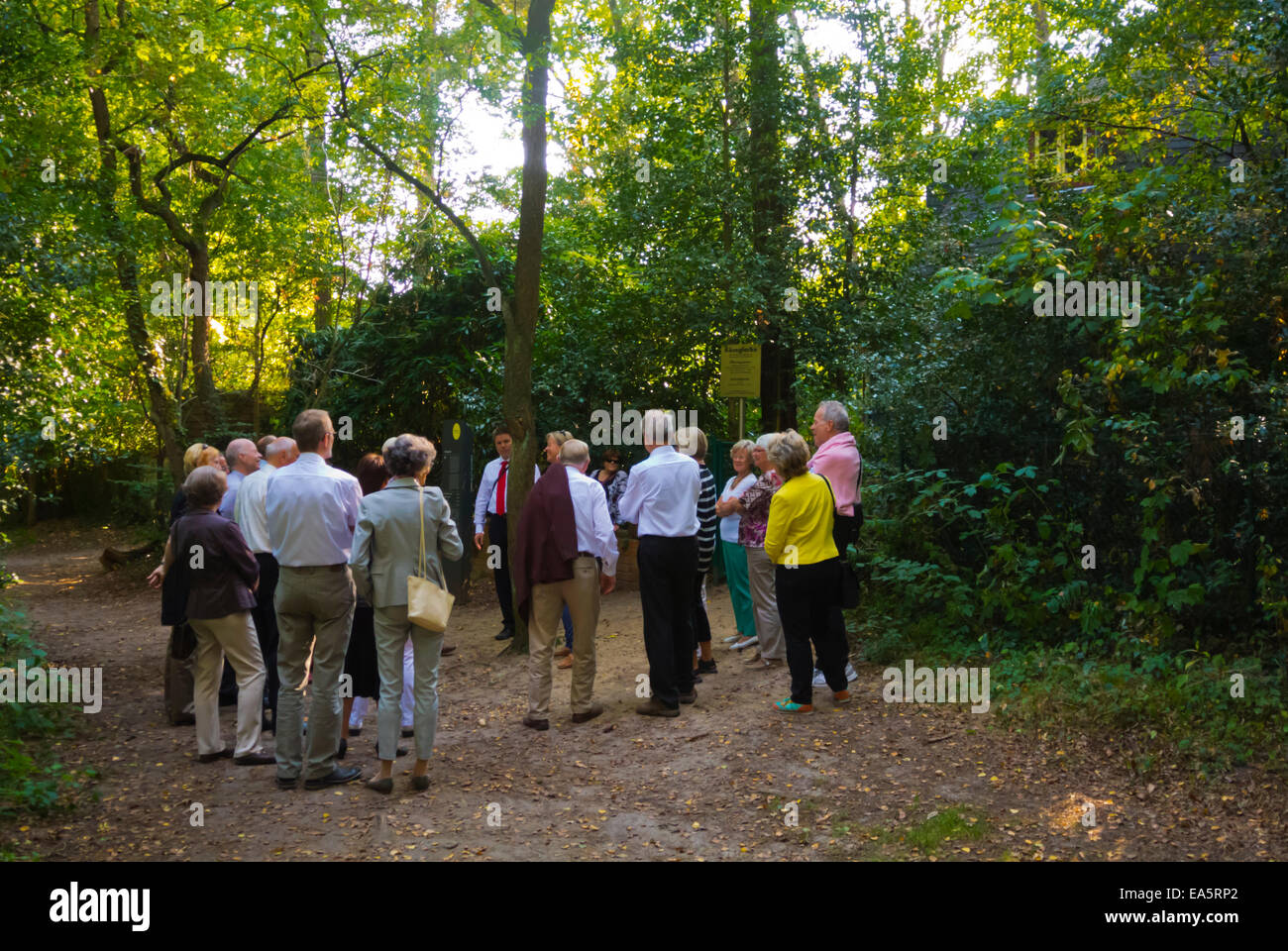 Guided tour group in front of Käseglocke building, Worpswede village, artists colony near Bremen, Teufelsmoor, - Stock Image
