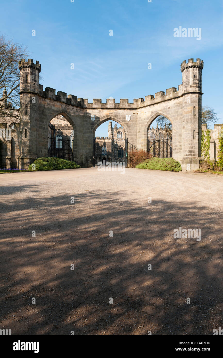 Auckland Castle (the Bishop's Palace), County Durham, UK. The entrance through the Screen Wall or Garden Screen - Stock Image