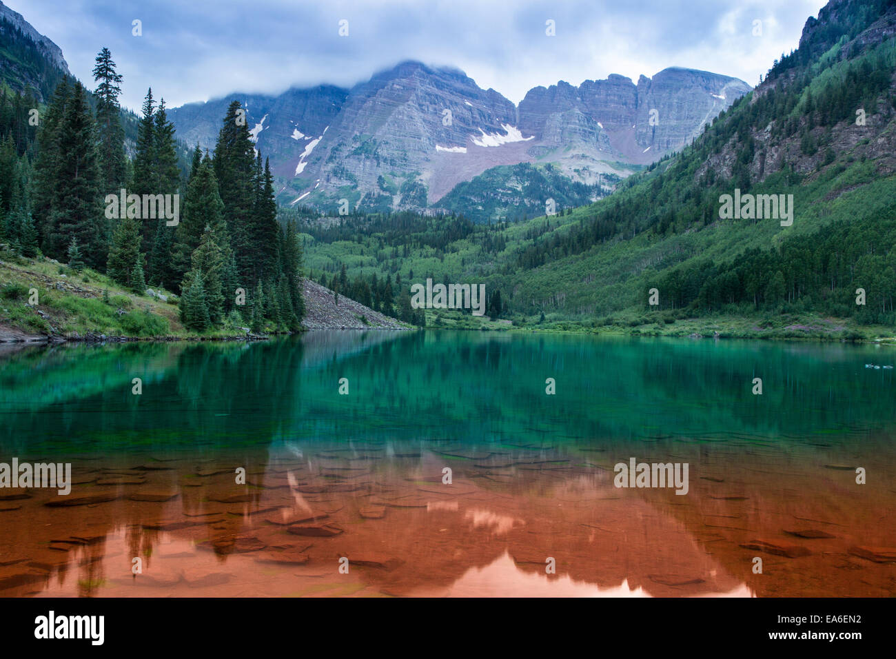 USA, Colorado, Aspen, Maroon Bells red and green - Stock Image