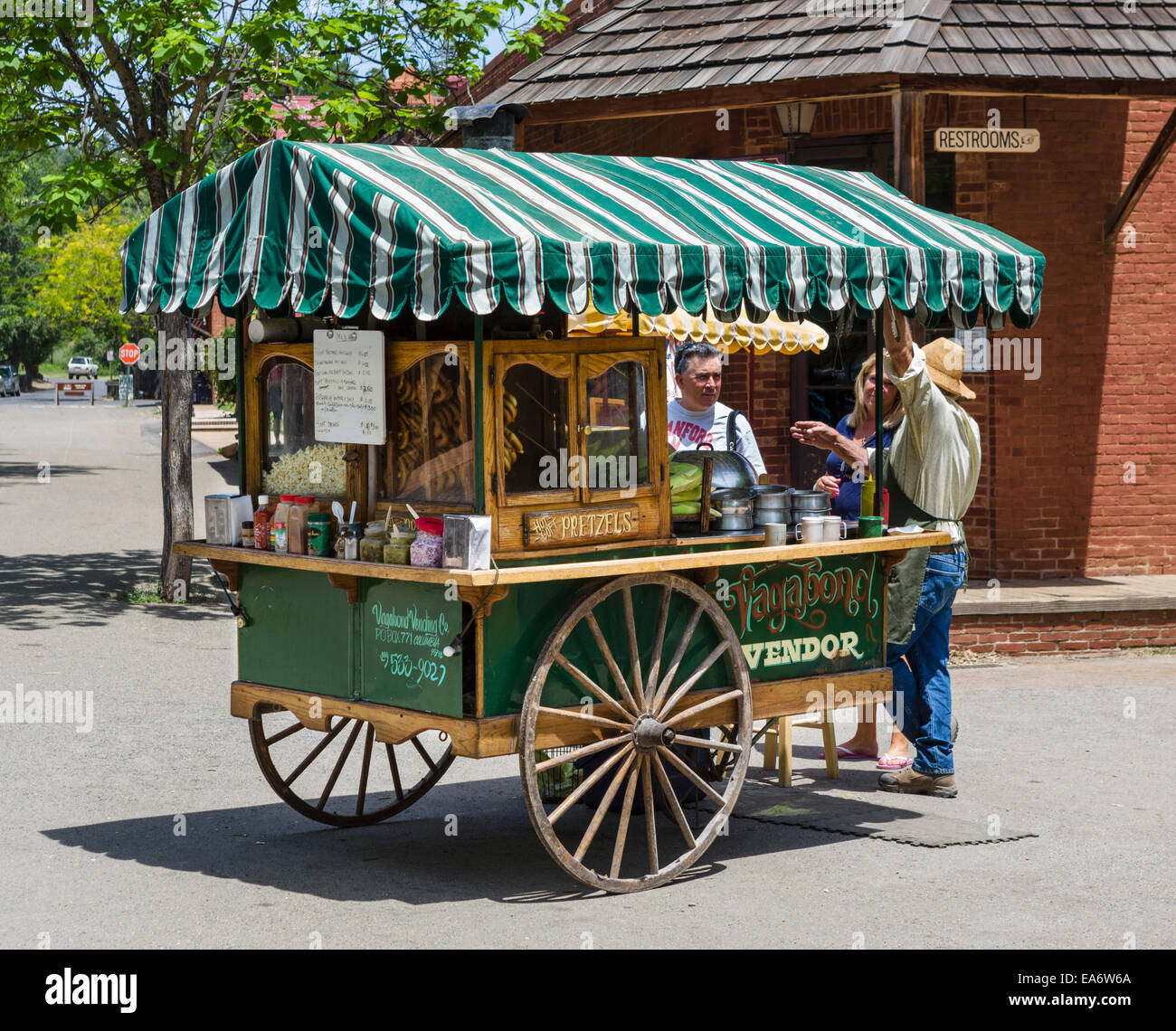 Vendor's cart on Main Street in old gold mining town of Columbia, Columbia State Historic Park, Tuolumne County, - Stock Image