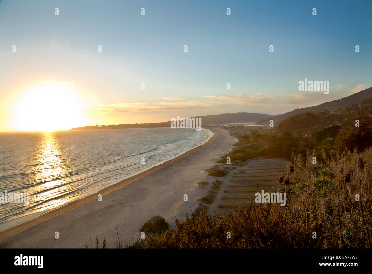 stinson beach dating Stinson beach is a great place for singles to live many of the residents are unmarried and enjoy an active lifestyle people tend to have higher income than average according to public data on this city.