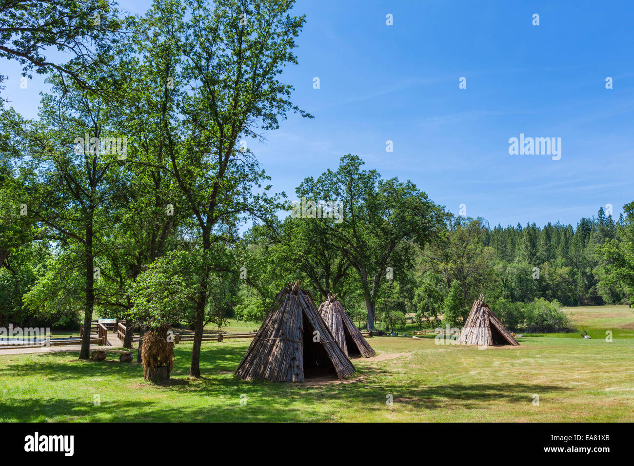 Miwok bark houses (U Macha) at Indian Grinding Rock State Historic Park, Amador County, Southern Gold Country, California, - Stock Image
