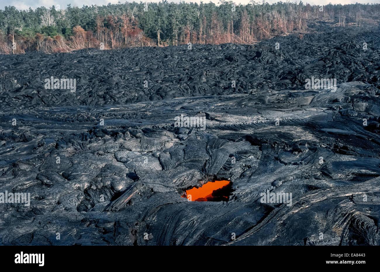 molten lava rock glows from stock photos amp molten lava