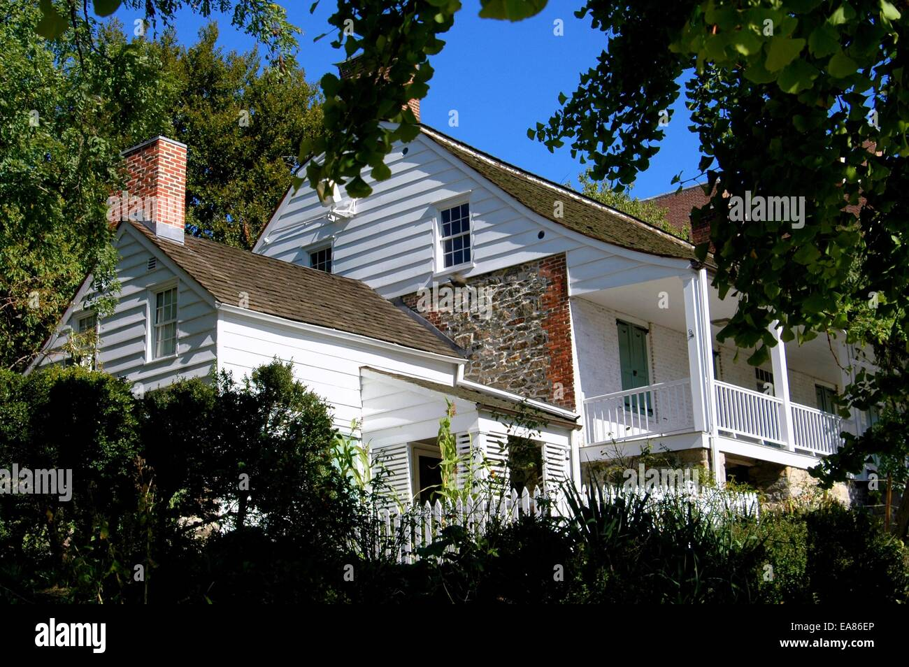 Nyc 1784 Dyckman Farmhouse Museum Manhattan S Last Dutch Colonial