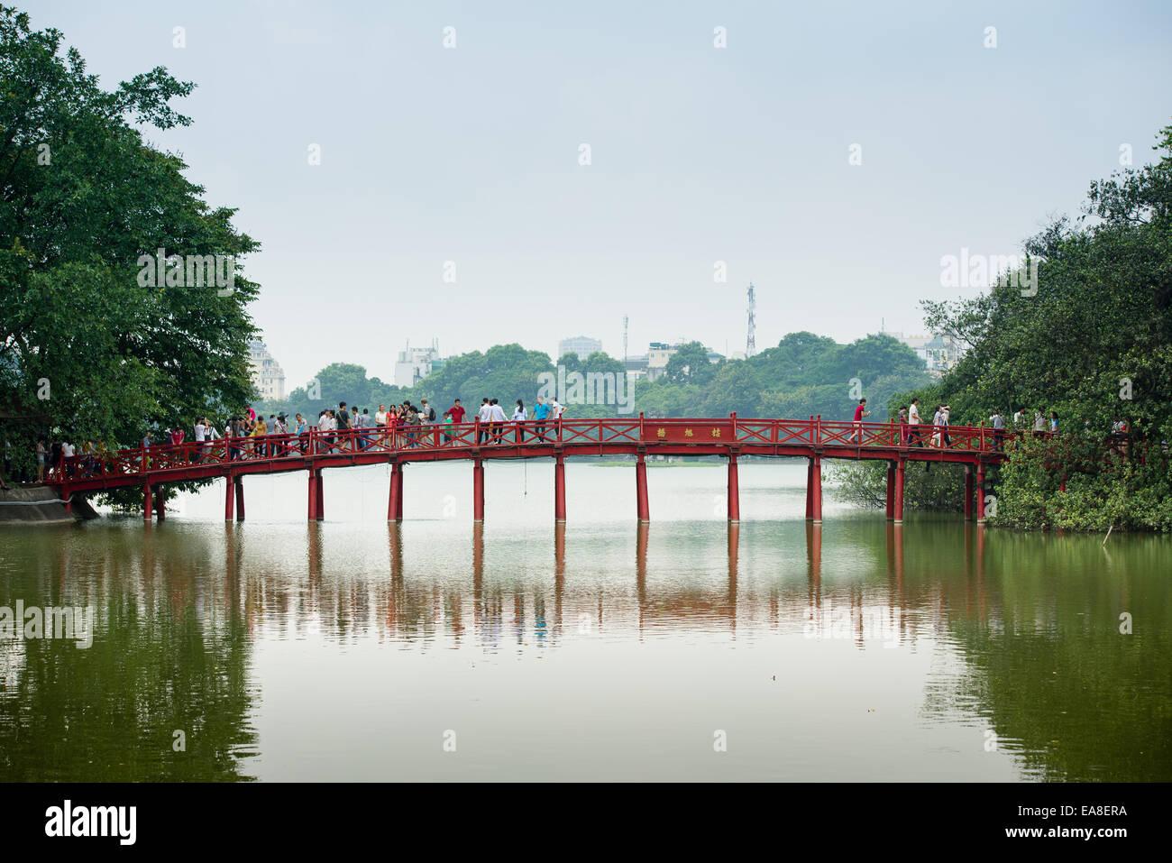 Huc Bridge leading to Ngoc Son Temple in Hanoi - Stock Image