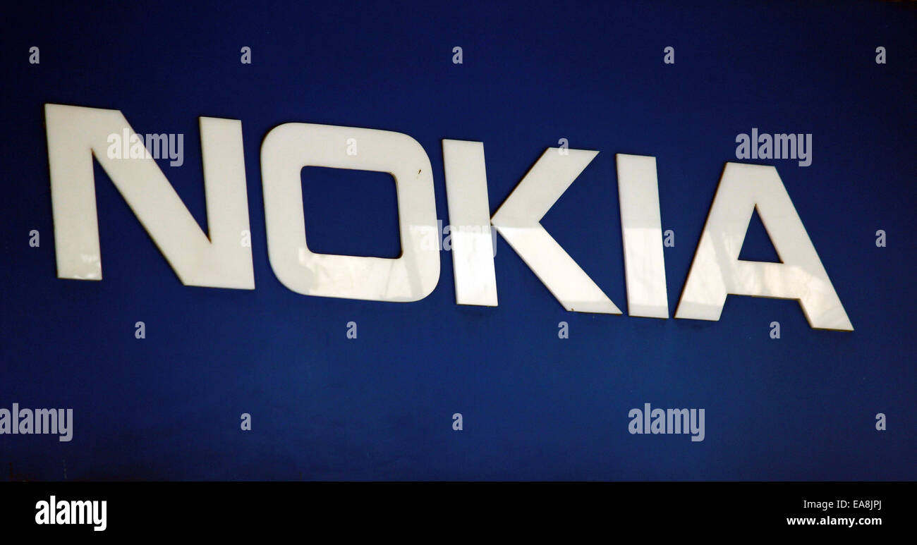 nokia mobile phone company Nokia, which was once the world's largest mobile manufacturer, is set to make a comeback in the smartphone market late next year nokia ceo rajeev suri, while speaking to german publication manager magazin, revealed the company's plans to re-enter the mobile phone business late next year.