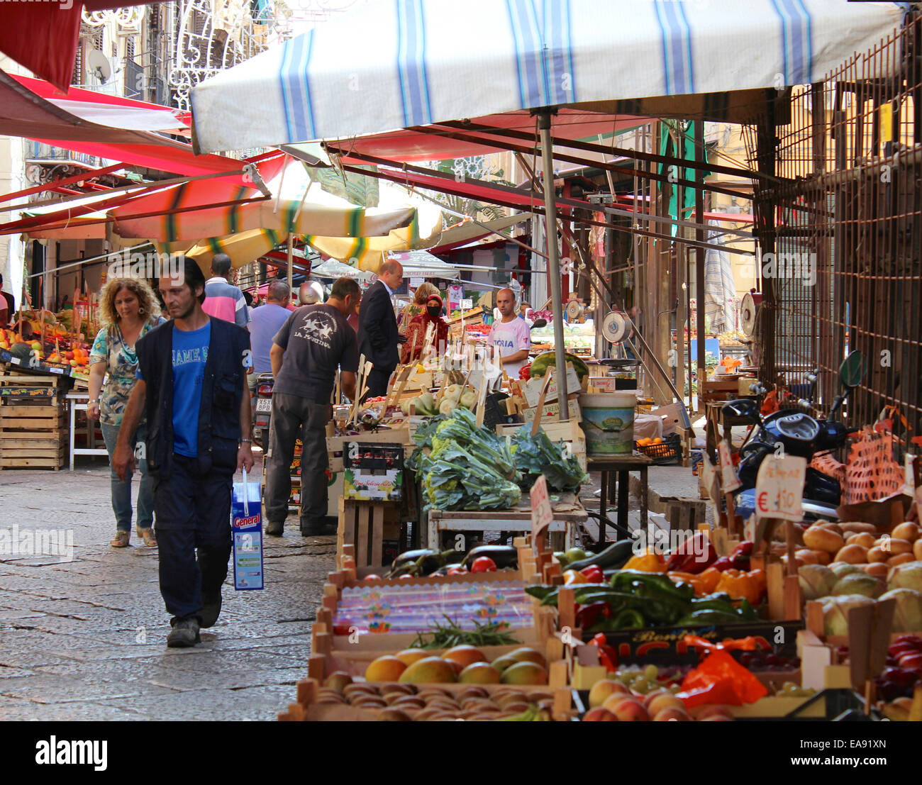A fruit and vegetable market in a street in Palermo, Sicily - Stock Image