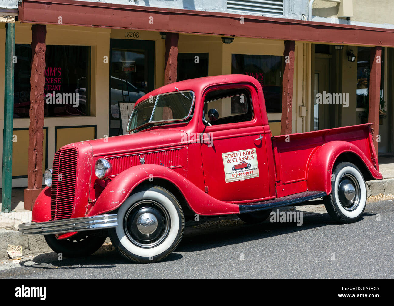 Old Ford Pickup Truck Stock Photos & Old Ford Pickup Truck Stock ...