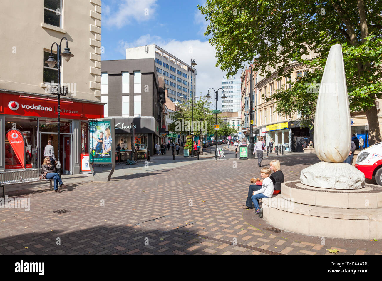 Lister Gate and Wheeler Gate, a pedestrianised shopping area in Nottingham city centre with the Leaf Stem sculpture - Stock Image