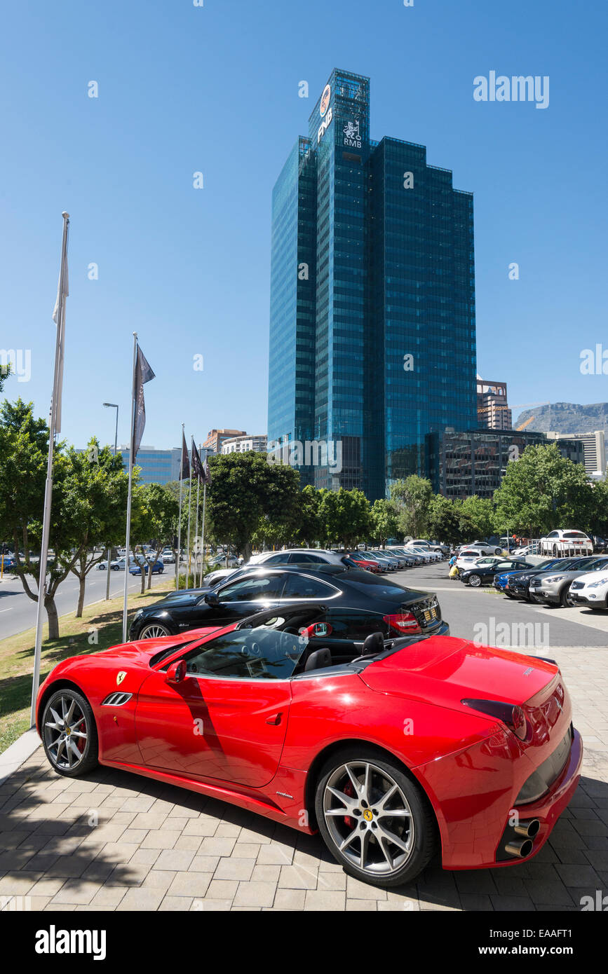 Portside, a 139 m skyscraper and a parked sports car in Cape Town, South Africa - Stock Image