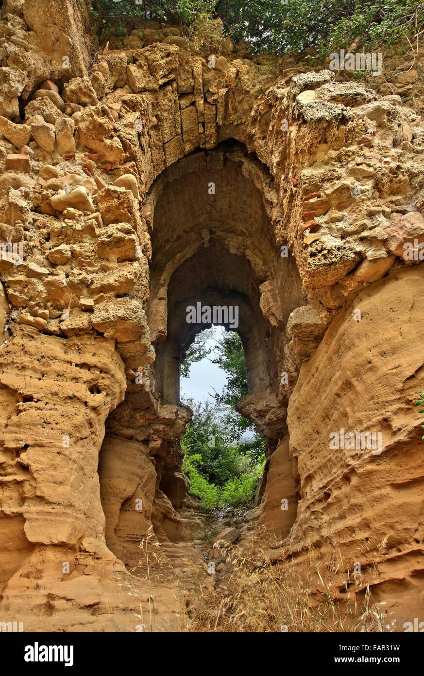 The gate of the forgotten medieval town of Olena, close to Oleni village, Ileia ('Elis'), Peloponnese, Greece. - Stock Image