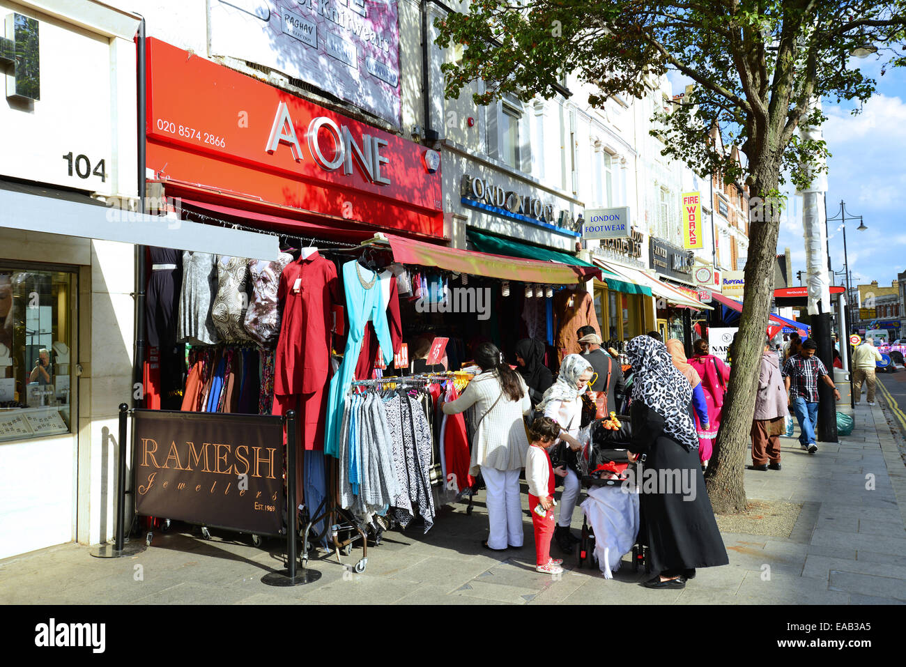 Indian clothing boutique, The Broadway, Southall, London Borough of Ealing, Greater London, England, United Kingdom - Stock Image