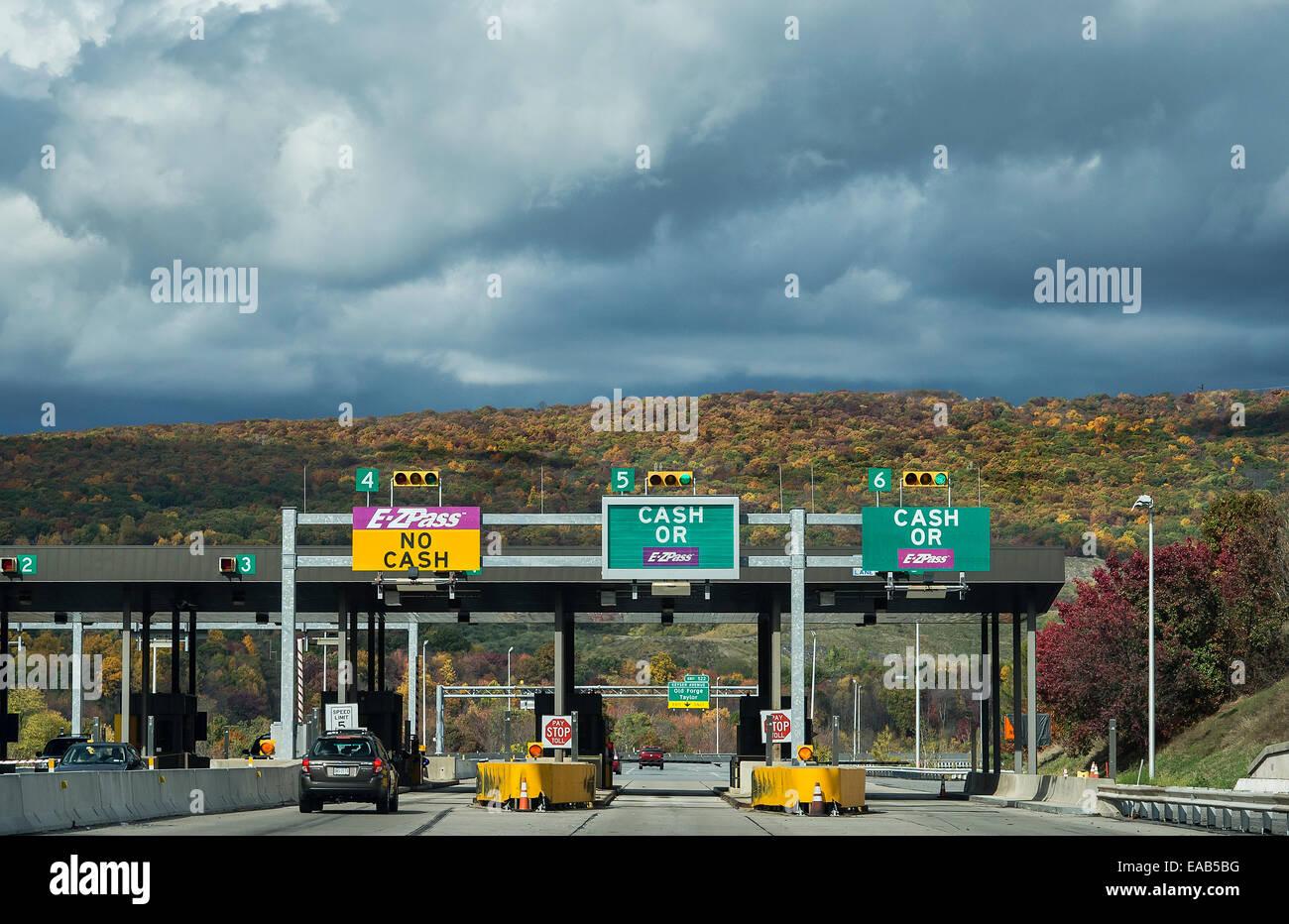 E-Z Pass toll both, Pennsylvania, USA - Stock Image