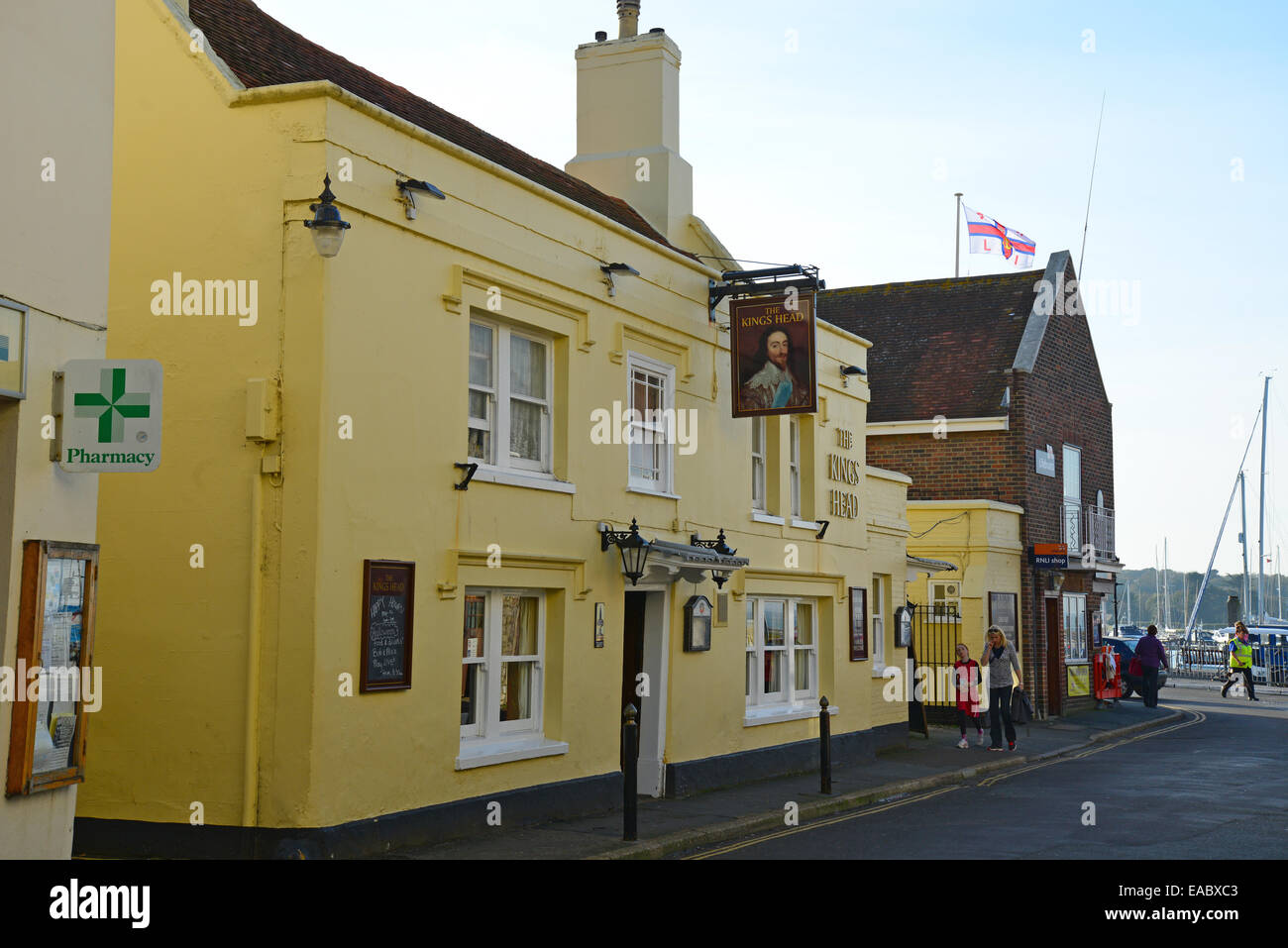 The Kings Head, Quay Street, Yarmouth, Isle of Wight, England, United Kingdom - Stock Image