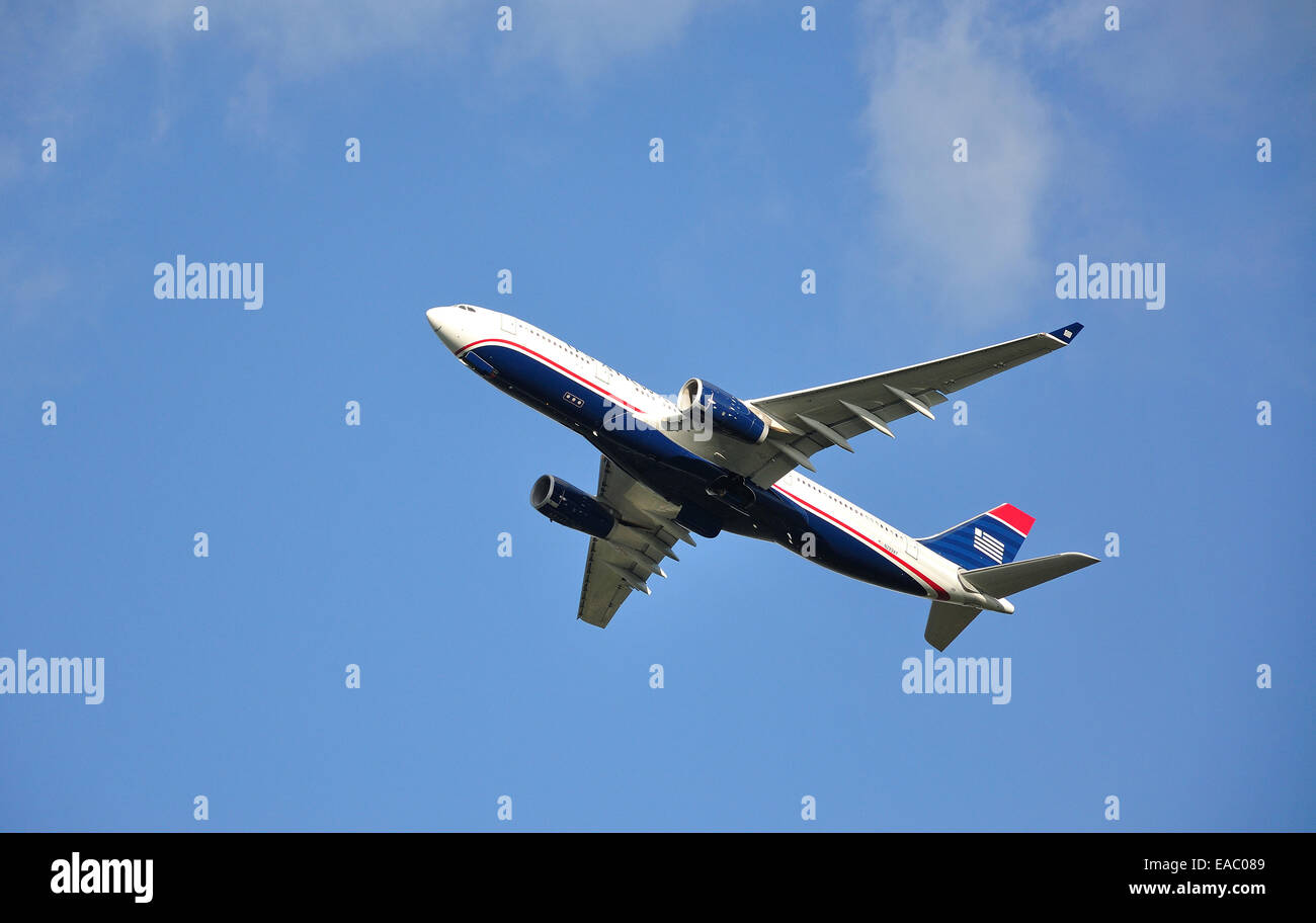 American Airlines Airbus A330-243 taking off from Heathrow Airport, Hounslow, Greater London, England, United Kingdom - Stock Image