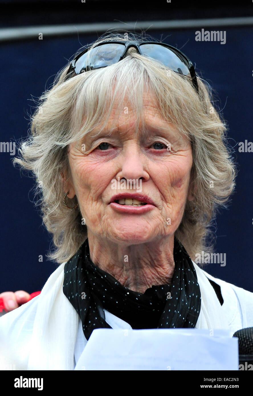butt Virginia McKenna (born 1931) naked photo 2017
