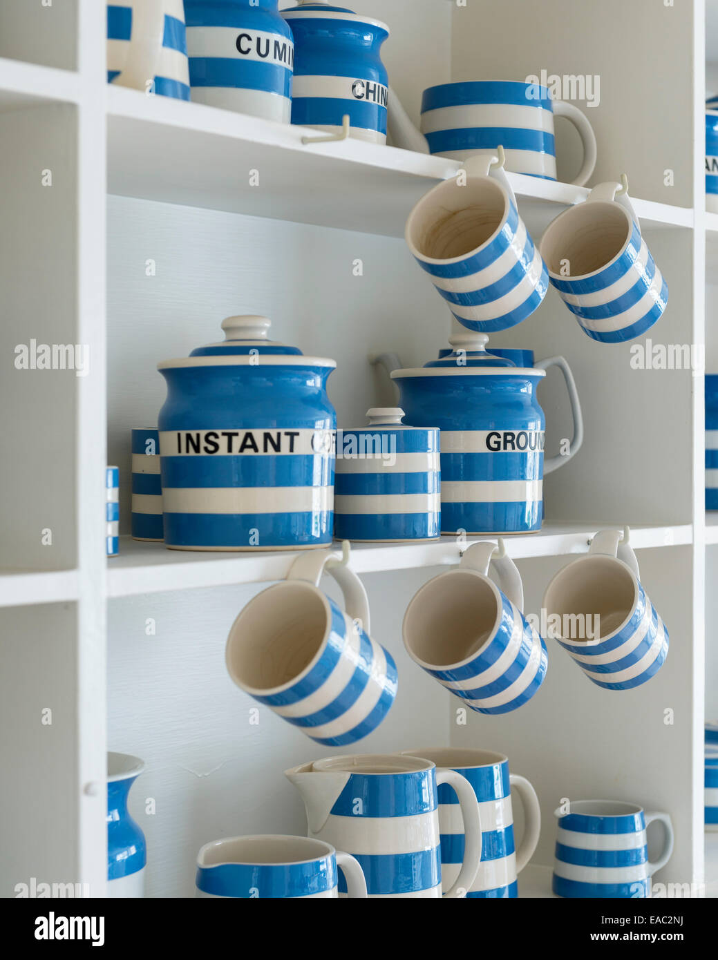 Dresser Stock Photos & Dresser Stock Images - Alamy