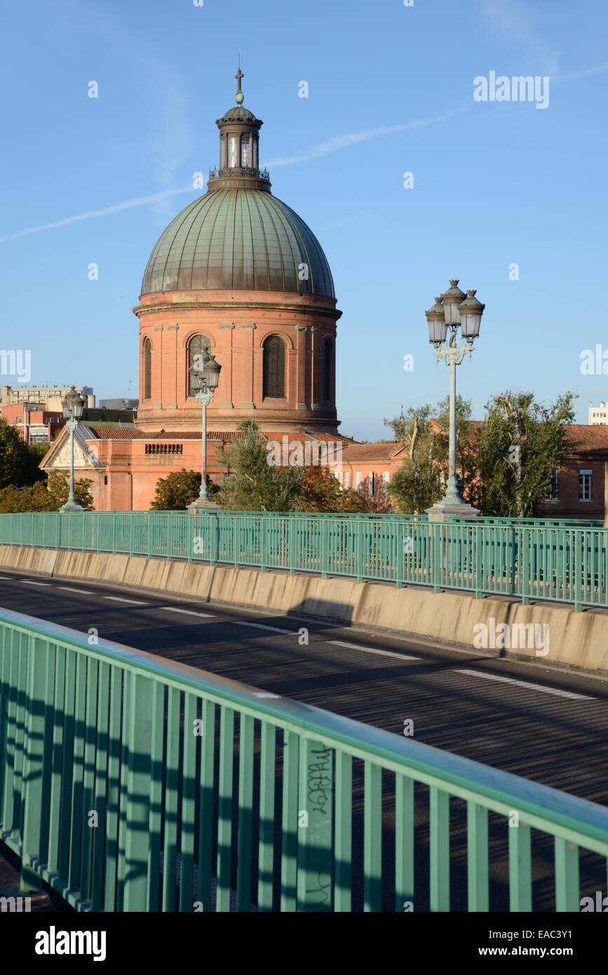 Pont Saint Pierre Bridge & Saint Joseph Chapel Toulouse France - Stock Image