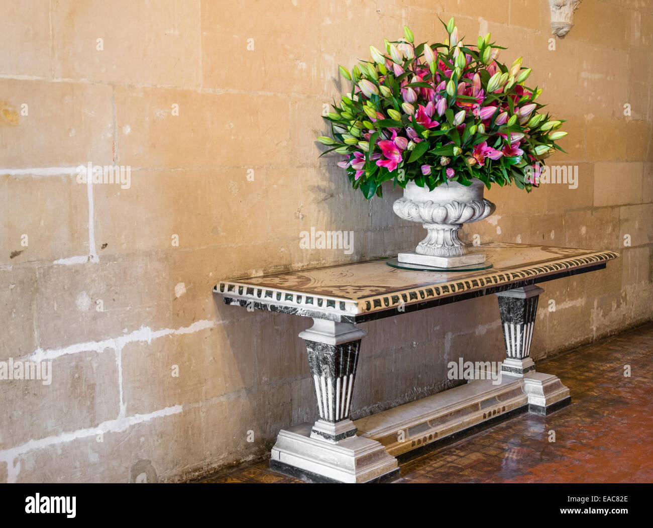 Vase Flowers On Hall Table High Resolution Stock Photography And Images Alamy