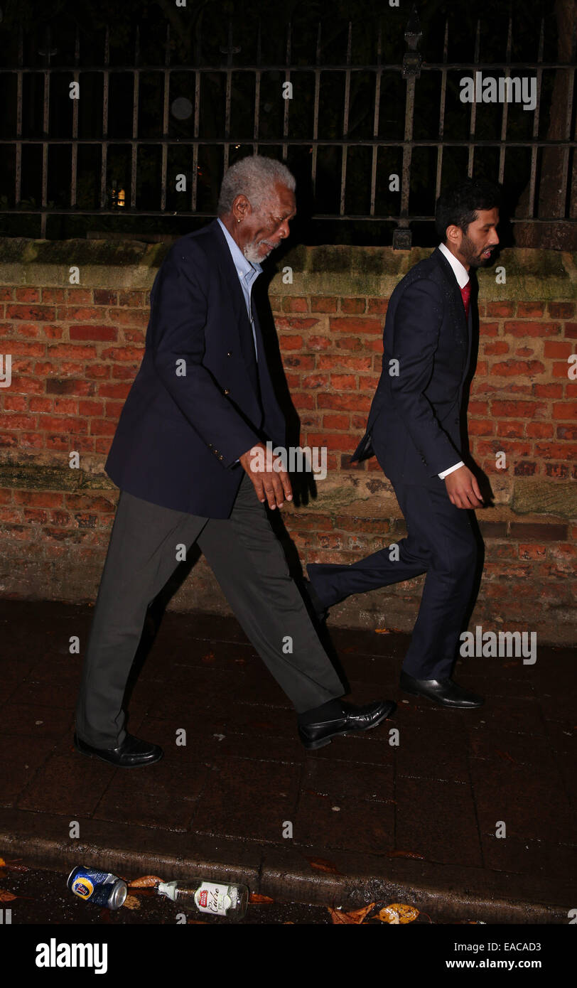 Oxford, UK. 11th November, 2014. Morgan Freeman leaving the Oxford Union after his talk. Credit:  Pete Lusabia/Alamy - Stock Image
