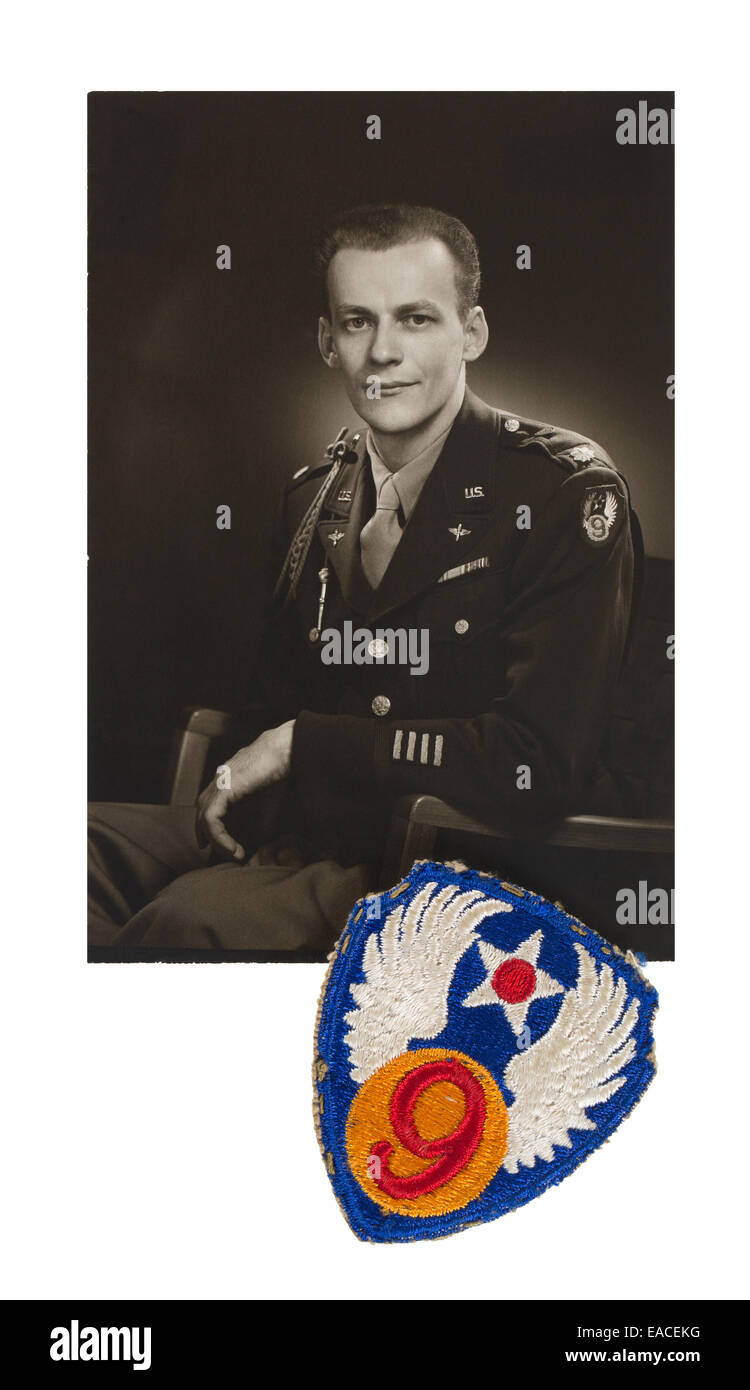 Portrait of Curtis E. Strand of the 9th United States Army Air Forces USAAF and a shoulder  patch from his military - Stock Image
