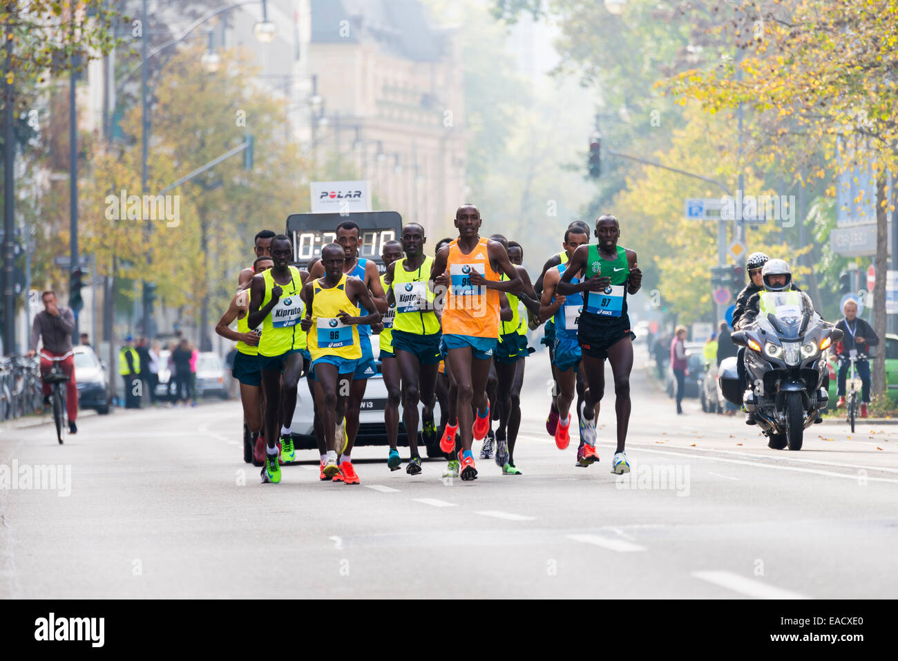 33rd BMW Frankfurt Marathon, group with the elite marathon runners and Mark Kiptoo, the eventual winner of the men's - Stock Image