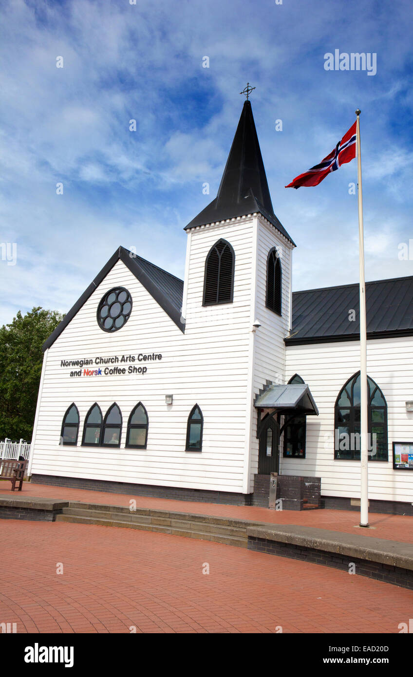 Norwegian church and coffee shop Cardiff Bay, Wales, UK - Stock Image