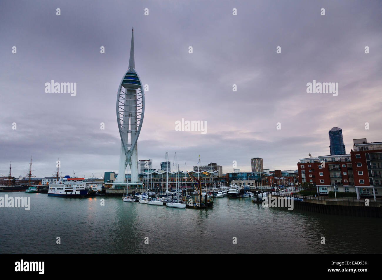 Early morning Portsmouth Gunwharf Quay and spinnaker tower Stock Photo