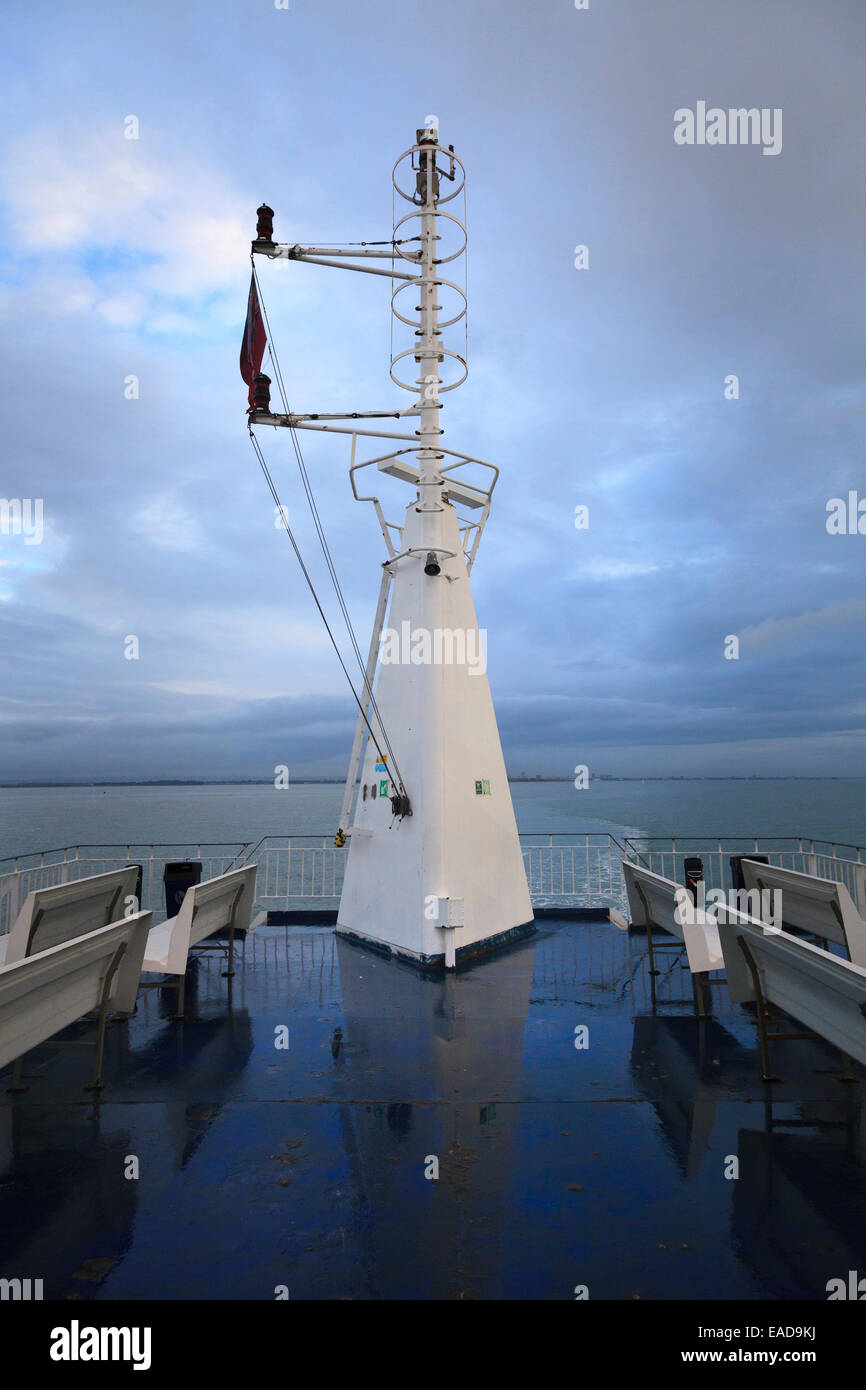 ships mast and hoop vertical access ladder - Stock Image