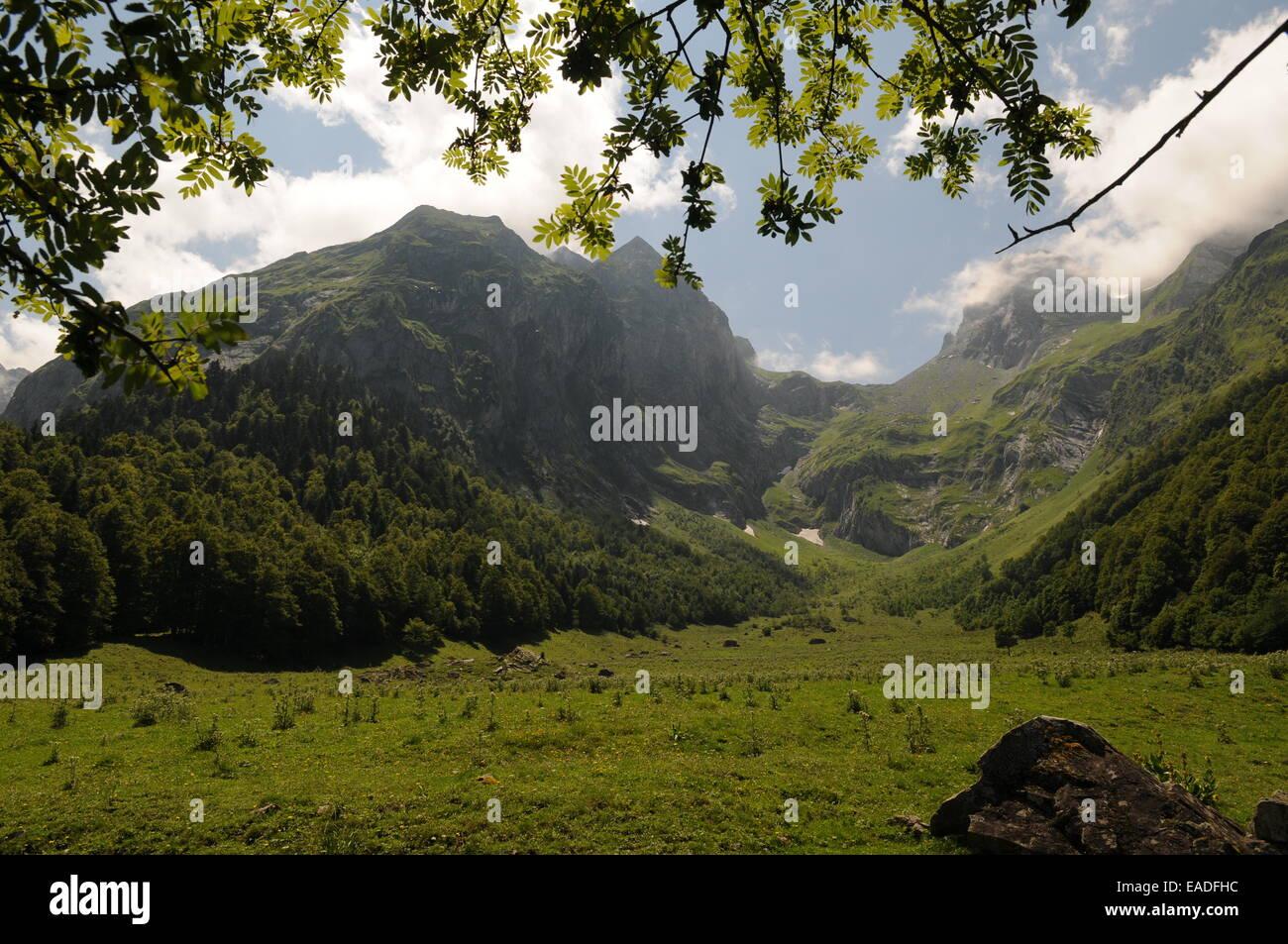 Artiga de Lin. Paisaje montañoso del valle de Arán en el pirineo catalán, España. - Stock Image