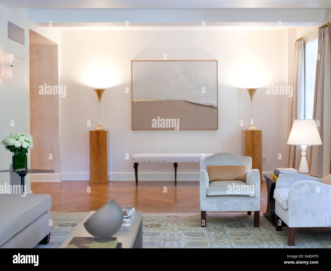 Traditional upscale Living Room - Stock Image