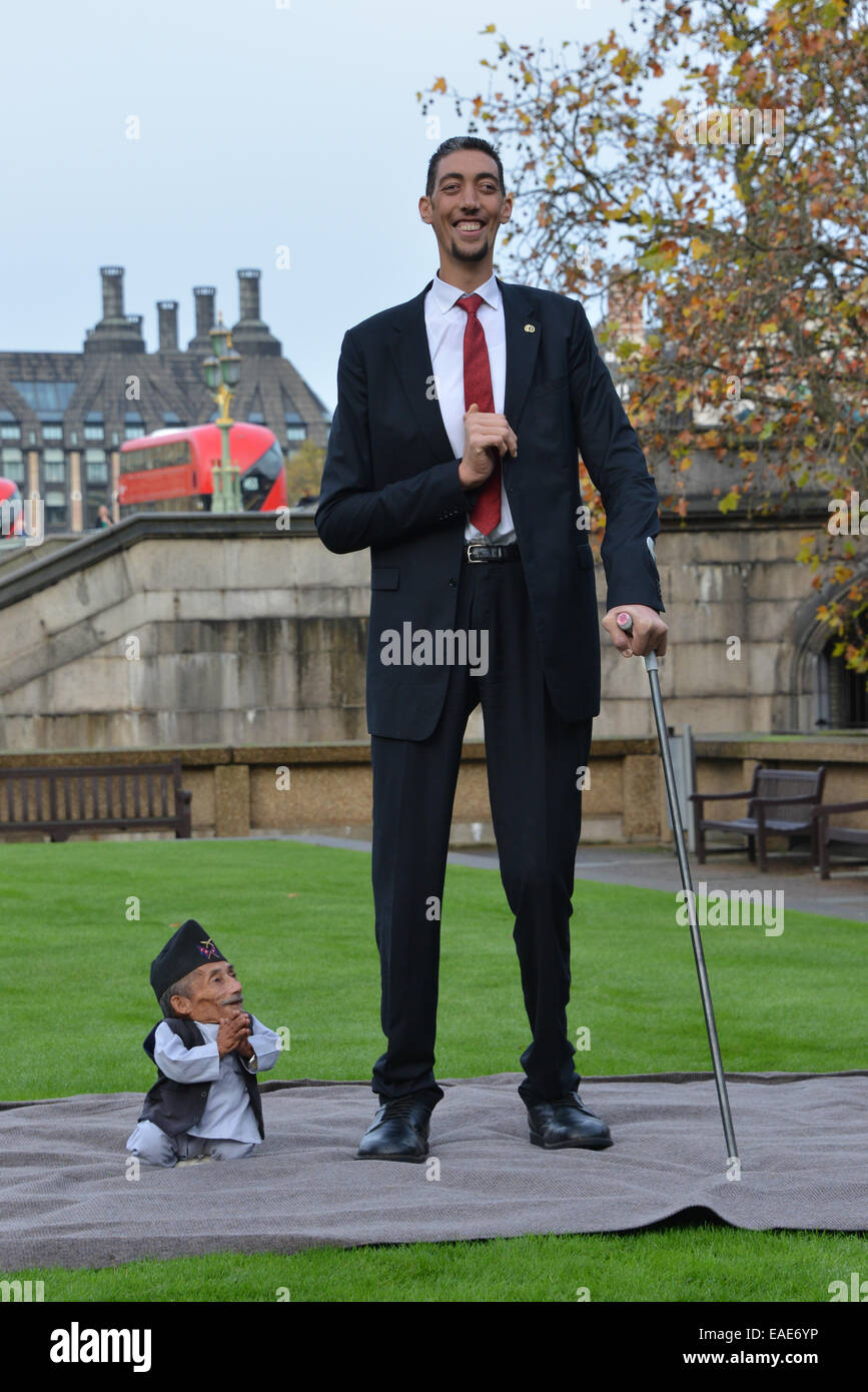 Tallest Person In The World 2014 London, UK. 13th Novem...