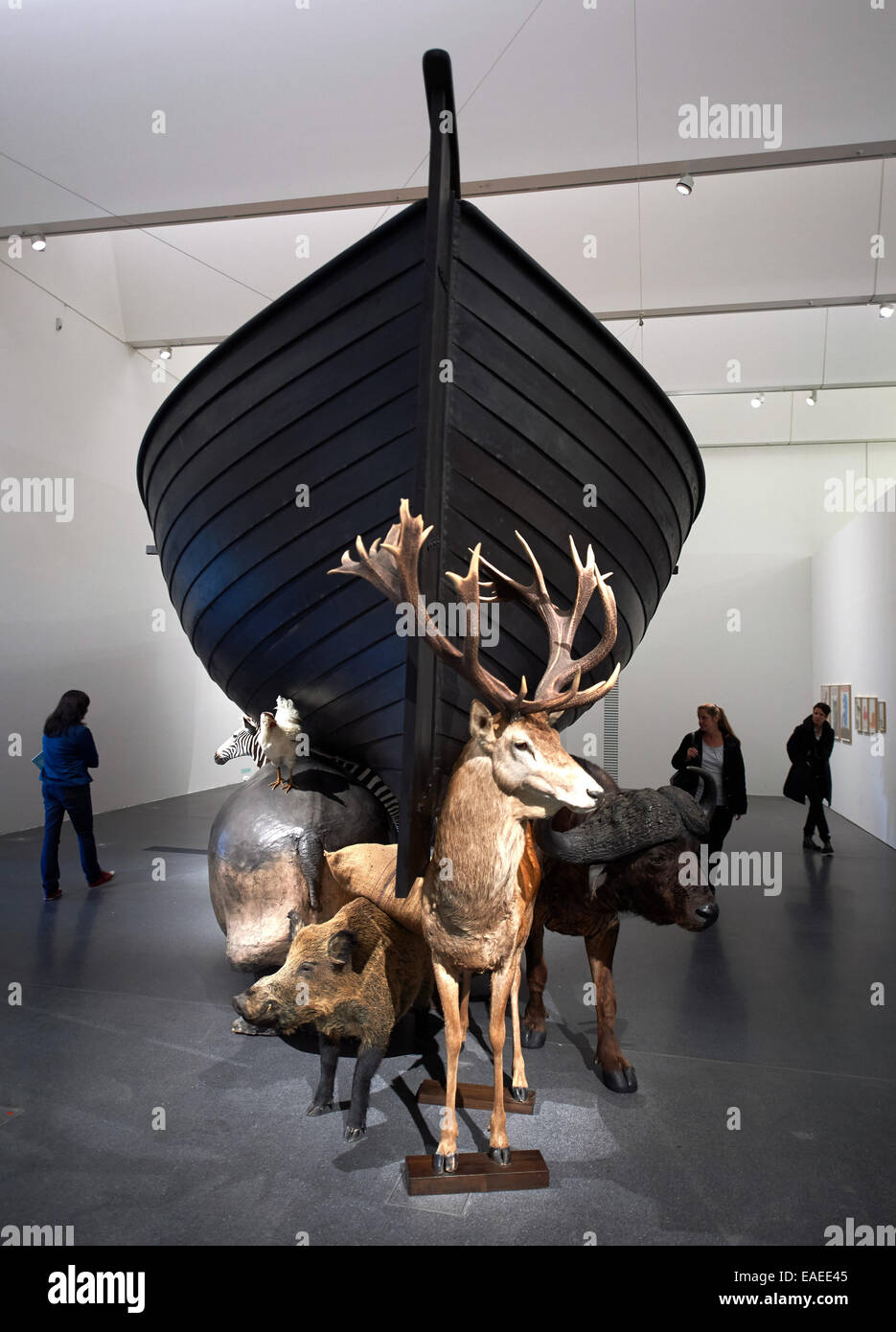 Dortmund, Germany. 13th Nov, 2014. Participants of a guided tour for the press stand in the museum Ostwall in the - Stock Image