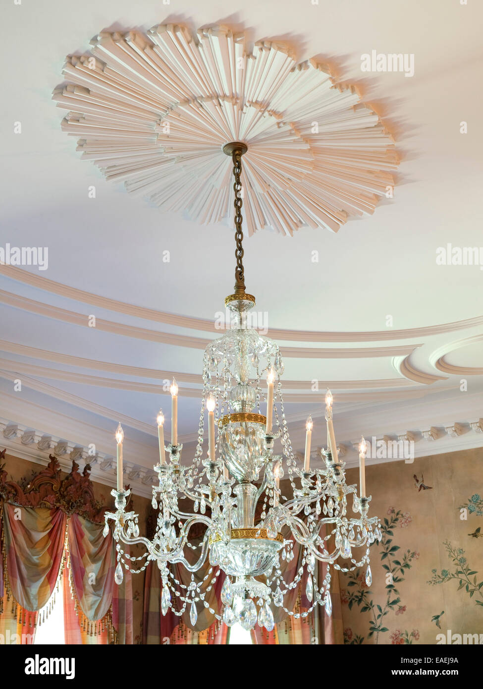 Crystal Chandelier And Medallion On Ceiling In Dining Room Of Swan - Crystal chandelier in dining room
