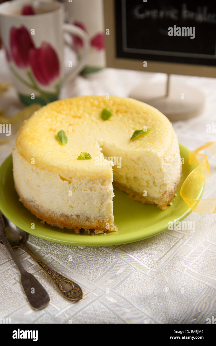 Lemon and ginger cheesecake - Stock Image