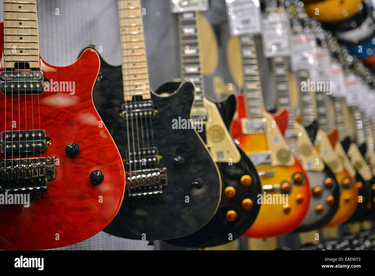 Gibson Guitars For Sale >> A Row Of Gibson Guitars For Sale At The Guitar Center On West 14th