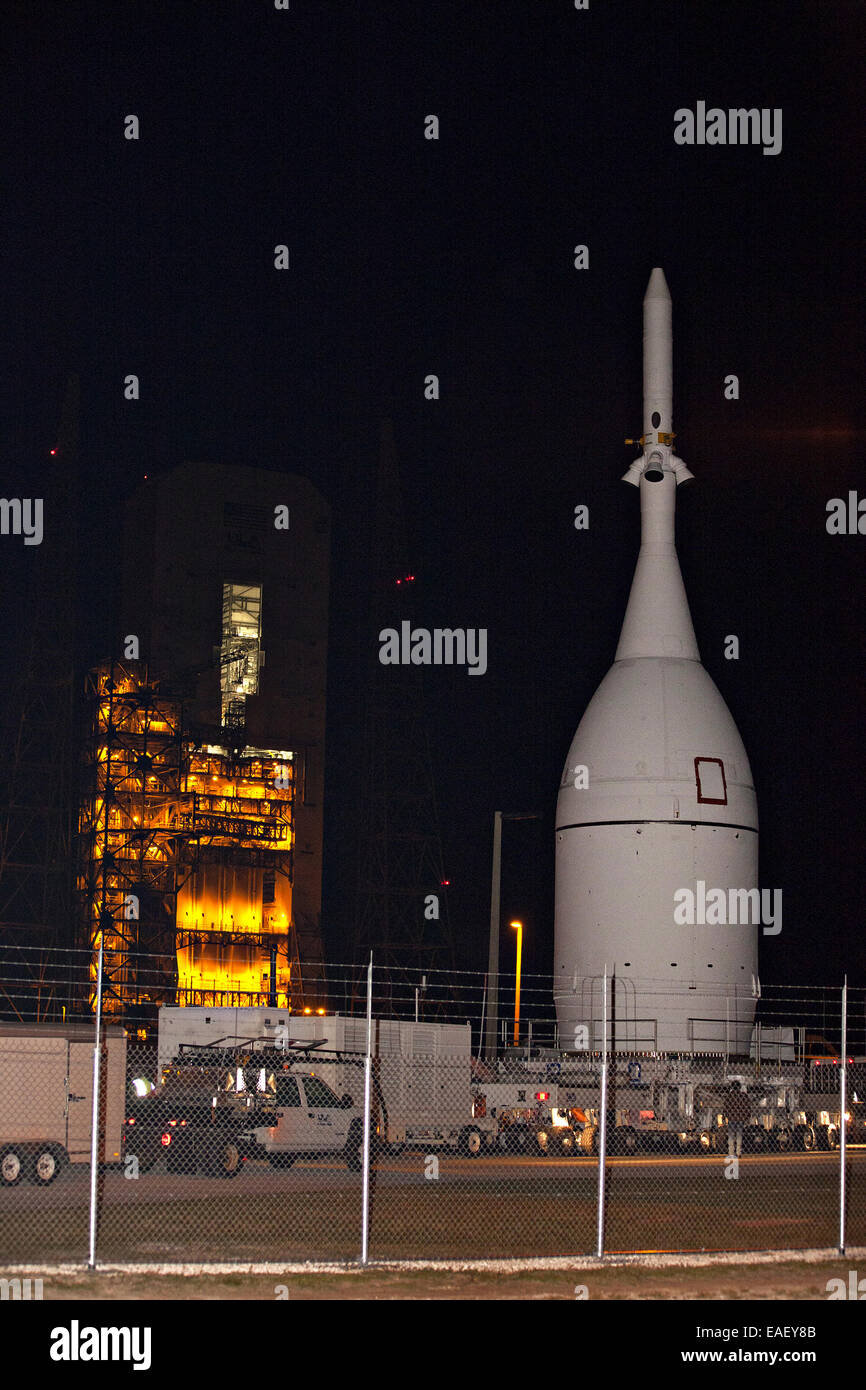 NASA's Orion spacecraft is moved to the launch pad where it will be mounted atop a Delta IV Heavy rocket at - Stock Image