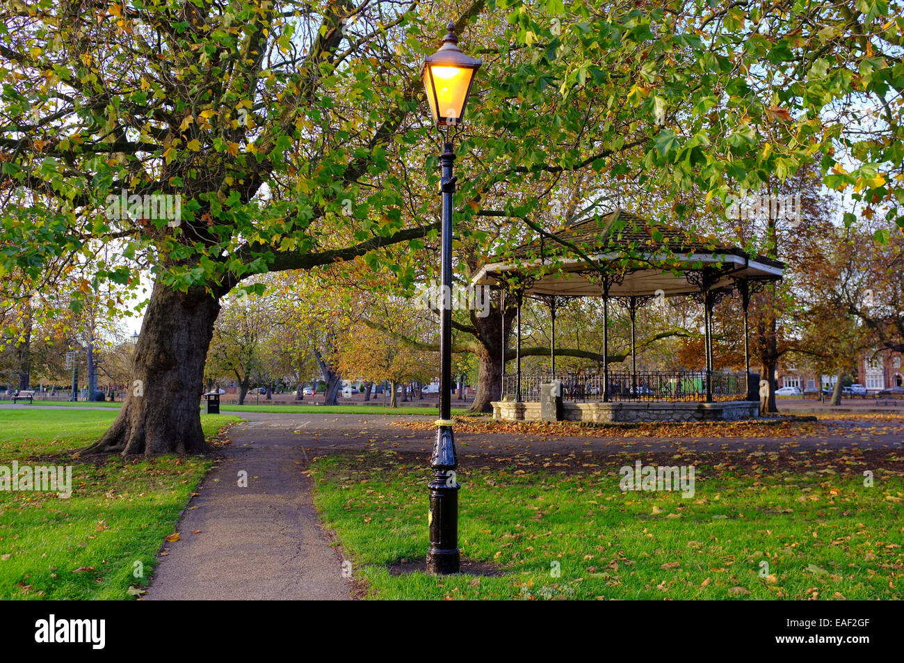vintage street lamp and bandstand in Bedford Park, Bedfordshire - Stock Image