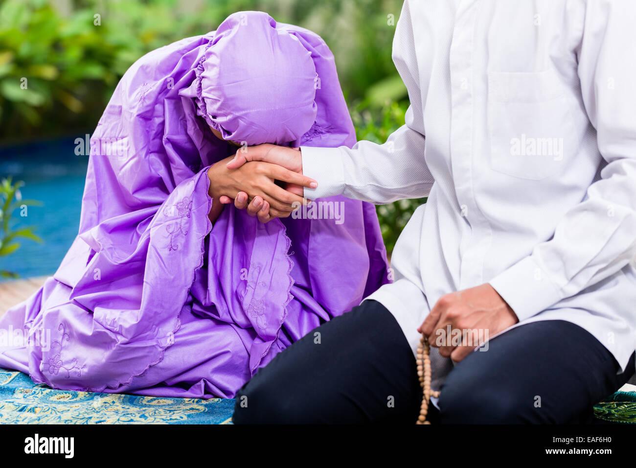 White western man dating an indian muslim girl