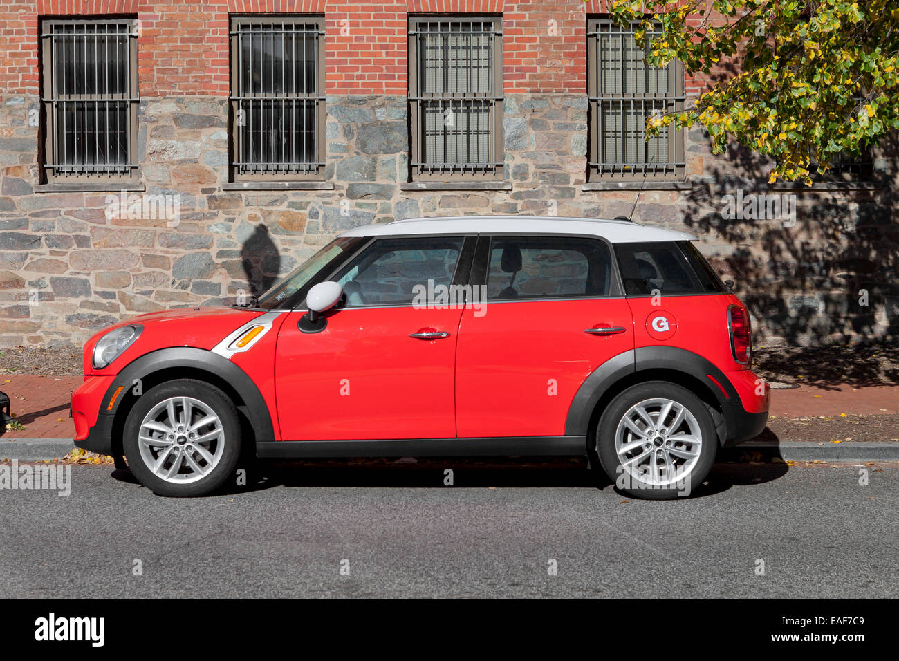 Mini Cooper Usa >> Mini Cooper Paceman 4 Door Parked Usa Stock Photo 75323145 Alamy