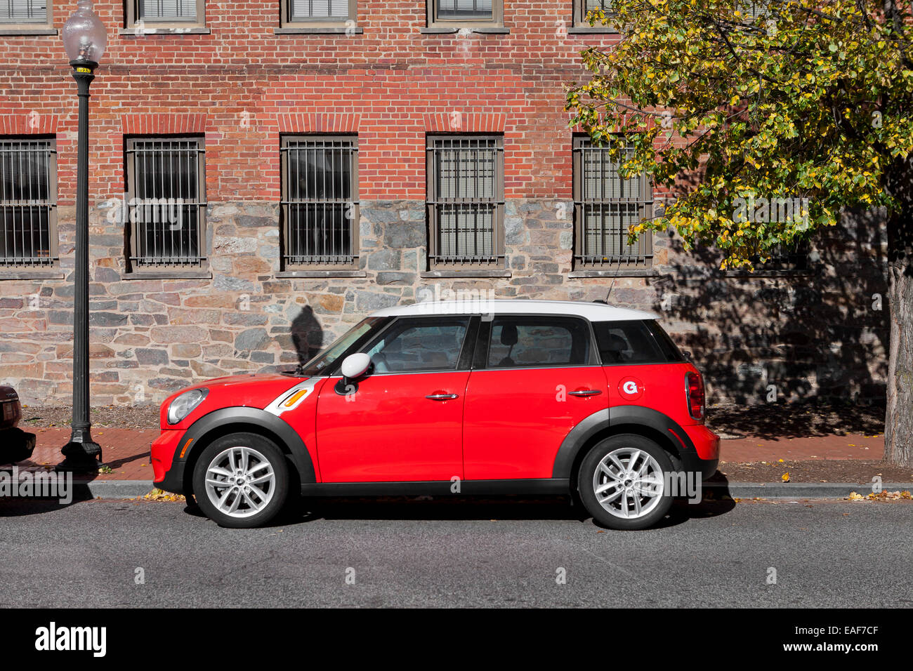 Mini Cooper Usa >> Mini Cooper Paceman 4 Door Parked Usa Stock Photo 75323151 Alamy